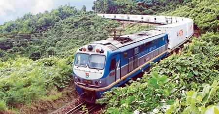 HCM City to Thap Cham railway to open hinh anh 1