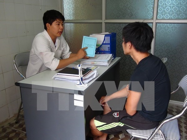 Campaign educates MSMs on HIV prevention hinh anh 1