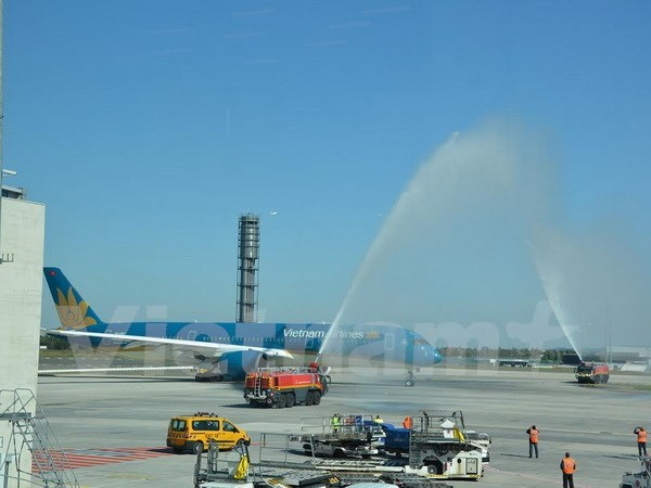 Vietnam Airlines starts France-Vietnam Airbus A350 service hinh anh 1