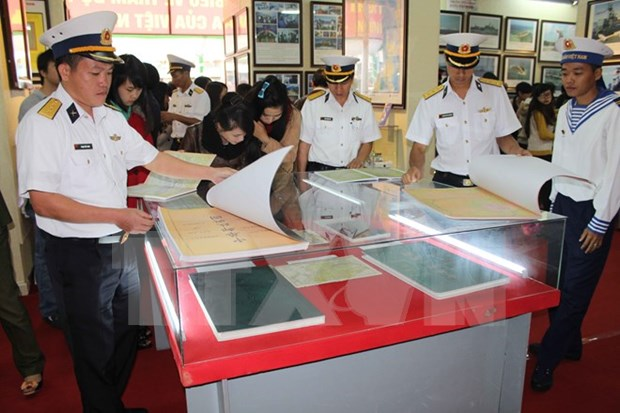Exhibition on Hoang Sa, Truong Sa opens in Hoa Binh hinh anh 1