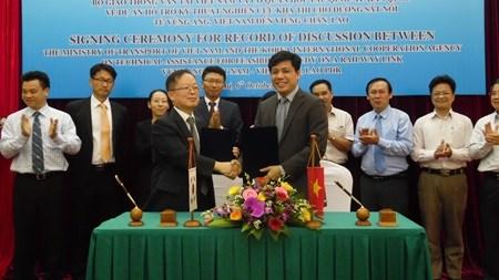 RoK to fund Laos-Vietnam railway feasibility study hinh anh 1