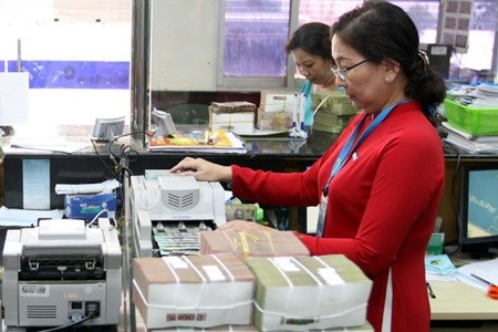 SBV reduces control of three banks hinh anh 1