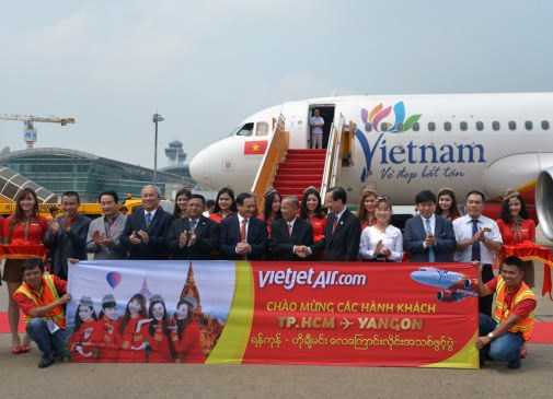 Vietjet Air launches HCM City- Yangon route hinh anh 1