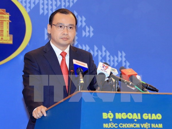 Vietnam protests China's illegal lighthouse construction: Spokesperson hinh anh 1