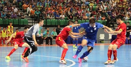 Thais beat Vietnam in ASEAN Futsal hinh anh 1