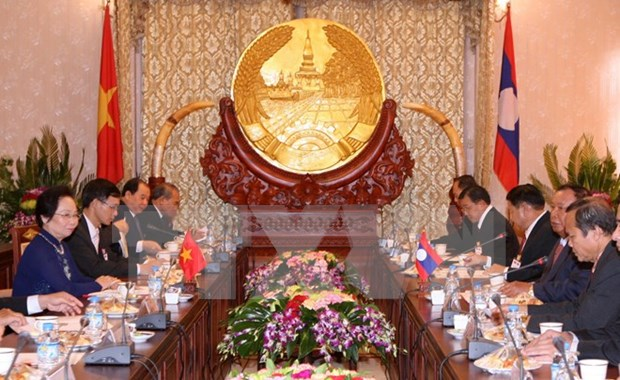 Vietnam, Laos commit to boosting ties hinh anh 1