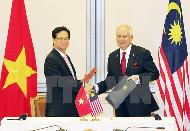 Vietnam, Malaysia lift relations to strategic partnership hinh anh 1