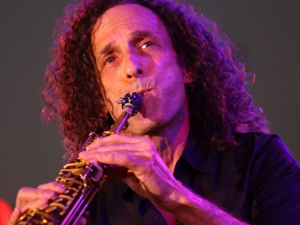 Saxophonist Kenny G performs in Hanoi hinh anh 1