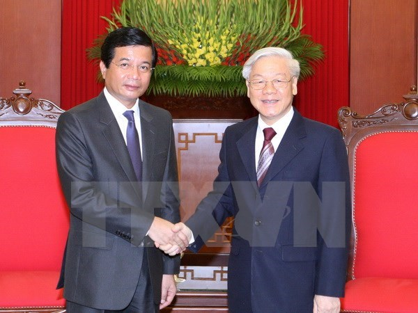Lao Ambassador bids farewell to Party leader hinh anh 1