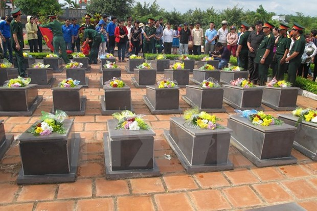 Binh Dinh keen to reinter remains of fallen soldiers hinh anh 1