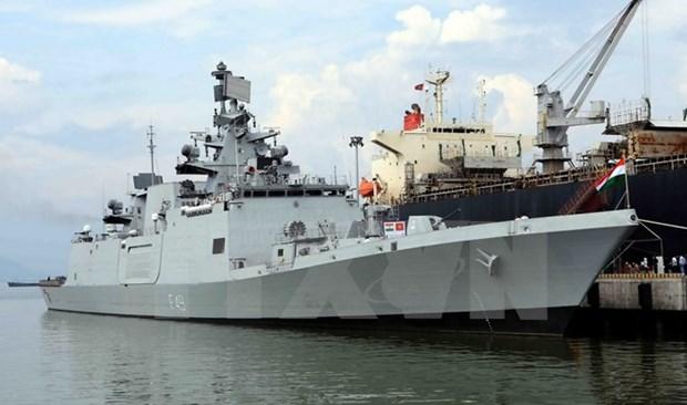 Indian navy ship anchors at Da Nang port hinh anh 1