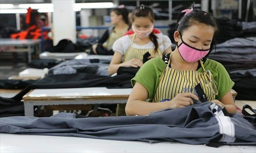 Laos intensifies management of foreign labourers hinh anh 1