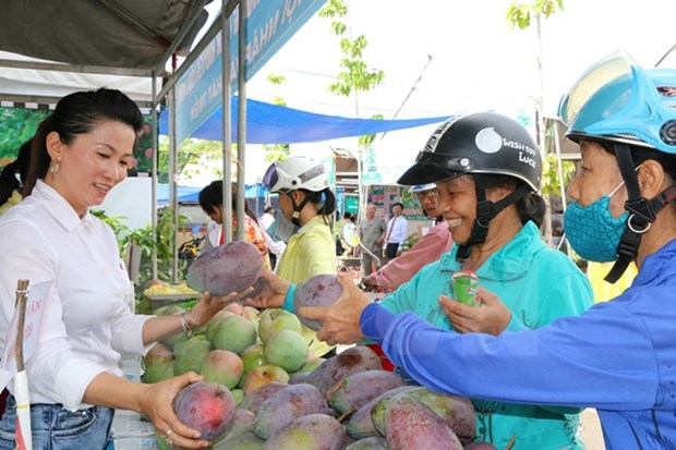 Agro-fishery-forestry exports may fail to reach yearly target hinh anh 1