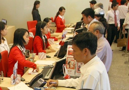Foreign firms outpay domestic ones hinh anh 1