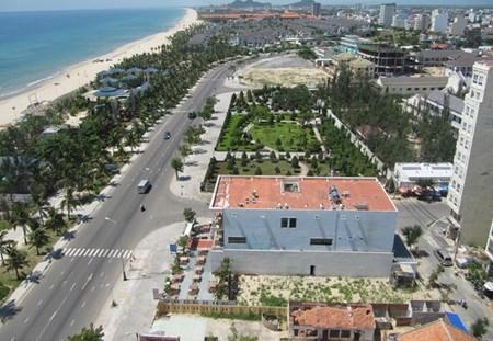 Da Nang to reclaim private beaches hinh anh 1