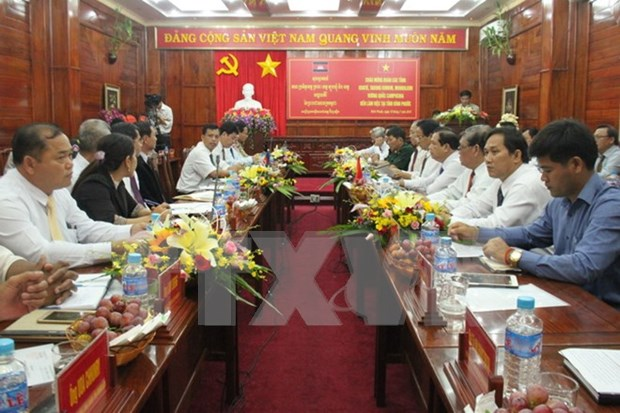 Binh Phuoc, Cambodia's Kratie province step up co-operation hinh anh 1