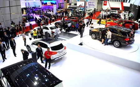 Motor Show showcases 150 models hinh anh 1