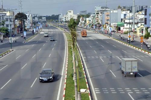 New flyover put into operation in northern Hanoi hinh anh 1