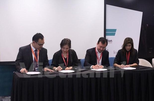 Vietnamese, Singaporean education providers partner in e-learning hinh anh 1