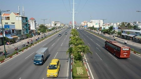HCM City's first rapid bus line to start in 2017 hinh anh 1