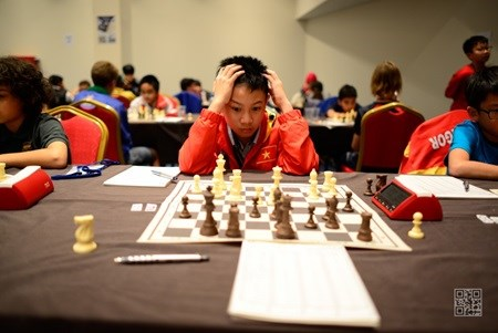 Hy wins eighth match at world chess championship hinh anh 1