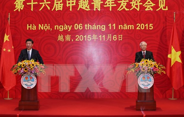 Vietnamese, Chinese top leaders meet the youth in Hanoi hinh anh 1