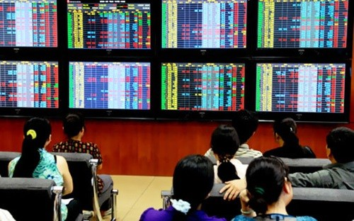 Shares down amid margin worry hinh anh 1