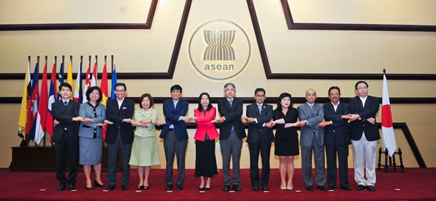 ASEAN, Japan pledge to forge closer cooperation hinh anh 1