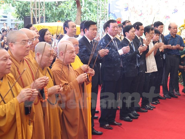 Transport minister calls for better traffic law awareness hinh anh 1