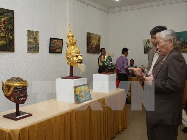 Cambodian culture exhibition opens in HCM City hinh anh 1