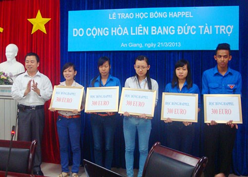 Vietnamese students benefit from Germany-funded scholarship hinh anh 1