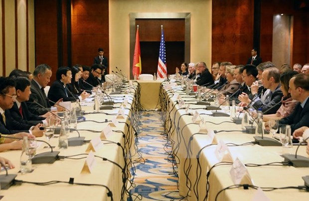 President meets US groups in Philippines hinh anh 1