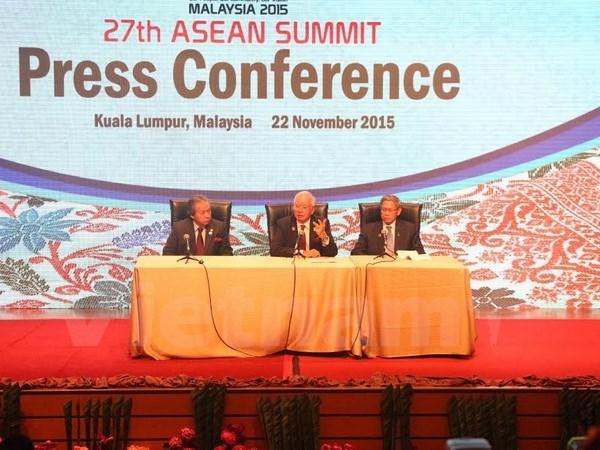 27th ASEAN Summit closes successfully hinh anh 1