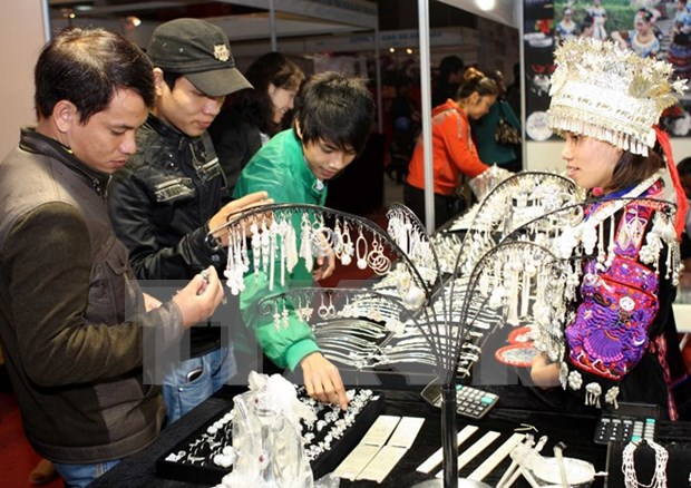 Chinese locality boosts exports to Vietnam hinh anh 1