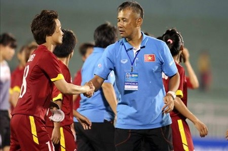 Chung back to coach Vietnamese women's football team hinh anh 1