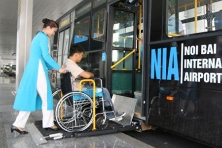 Airports to complete disabled access in two years hinh anh 1