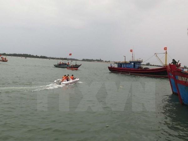Vietnamese fishing boat sunk in Hoang Sa archipelago hinh anh 1
