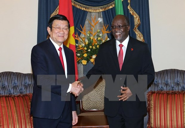 Vietnamese, Tanzanian Presidents hold talks hinh anh 1