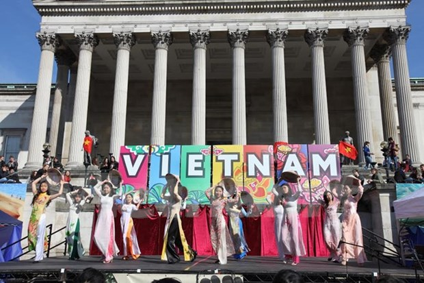 Vietfest 2016 promotes Vietnamese culture in London hinh anh 1