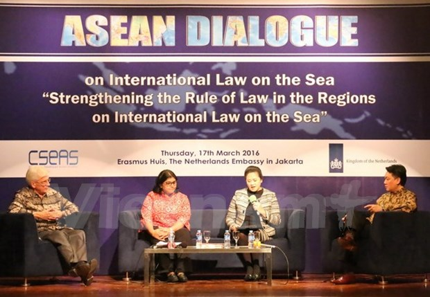 East Sea issue should be addressed in peaceful manner: experts hinh anh 1