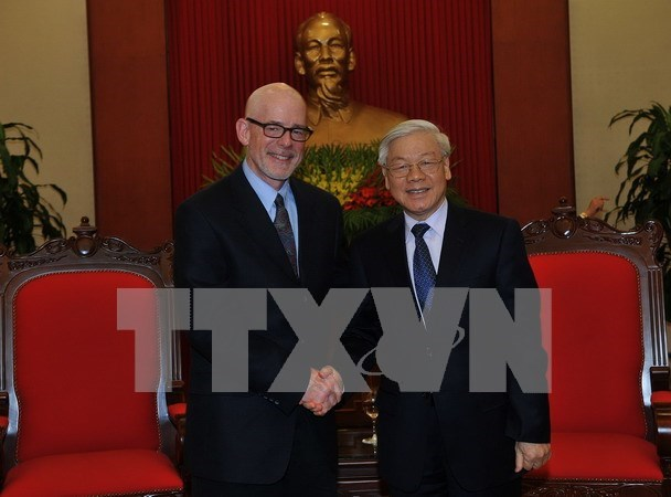 Party chief receives Chairman of Communist Party USA hinh anh 1