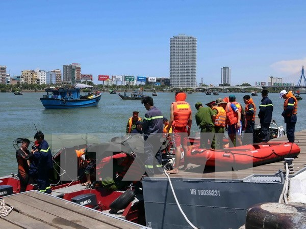 Three missing in sinking ship in Han River found dead hinh anh 1