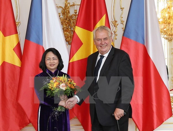 Vietnam, Czech Republic to boost multi-faceted ties hinh anh 1
