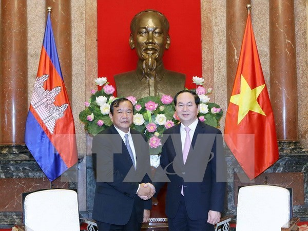 President greets Cambodian foreign minister hinh anh 1