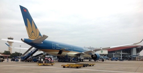 Vietnam Airlines may reschedule flights due to bad weather hinh anh 1