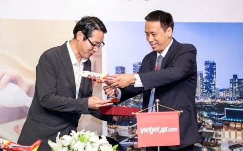 Vietjet, RoK's tourism agency sign cooperation deal hinh anh 1