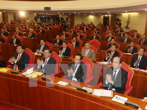 Party Central Committee debates personnel recommendations hinh anh 1
