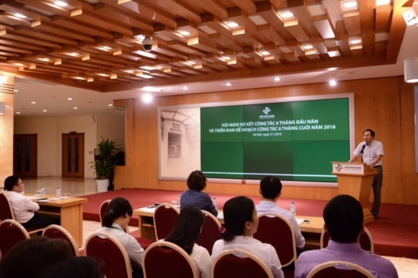 Hanoi Exchange reports good results in first half hinh anh 1