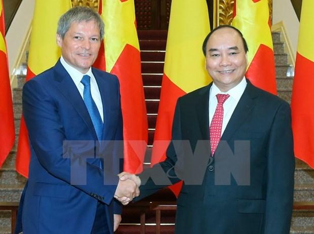Romanian Prime Minister wraps up Vietnam trip hinh anh 1