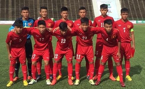 Vietnam to play Cambodia in ASEAN U-16 football semi-final hinh anh 1